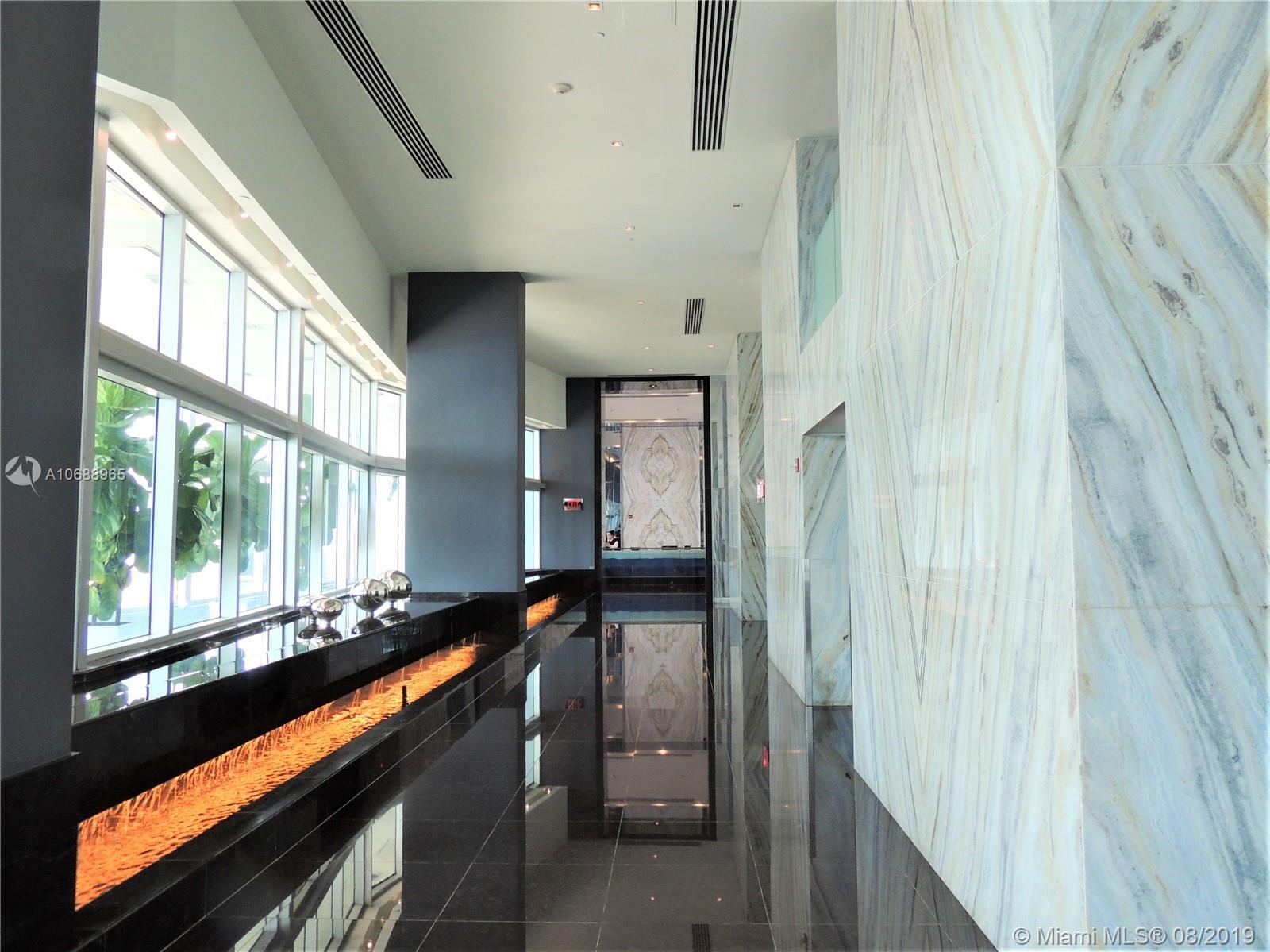 335 S Biscayne Blvd #4000 photo01