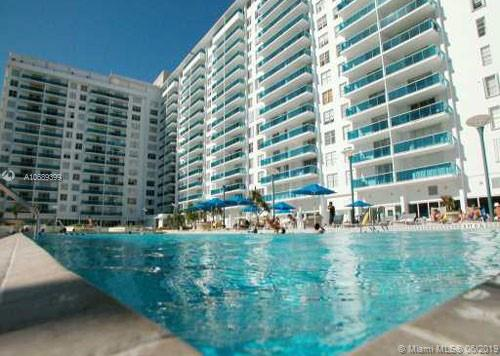 2301 Collins Ave #832 photo02