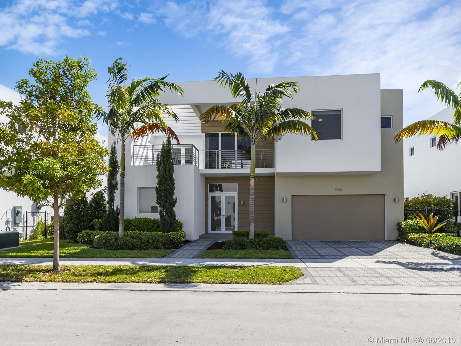 7555 NW 100th Ave photo01