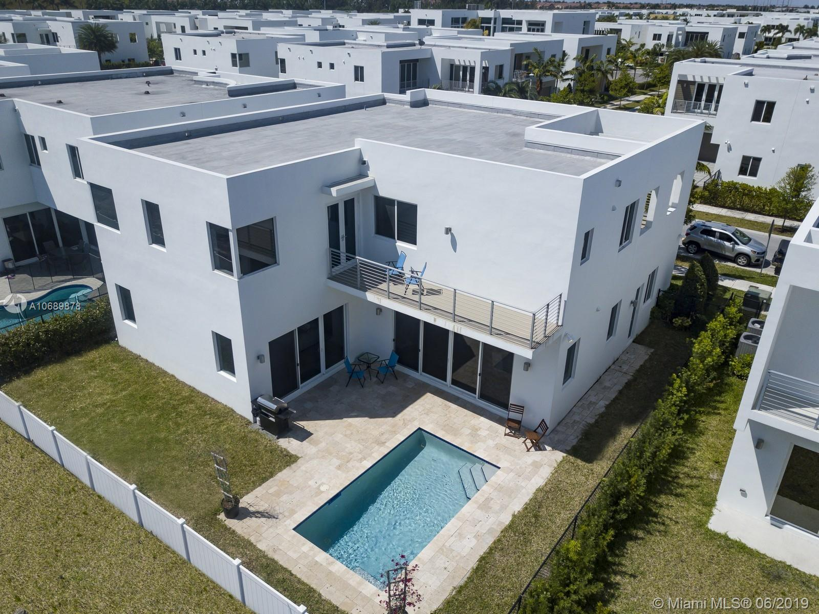7555 NW 100th Ave photo014