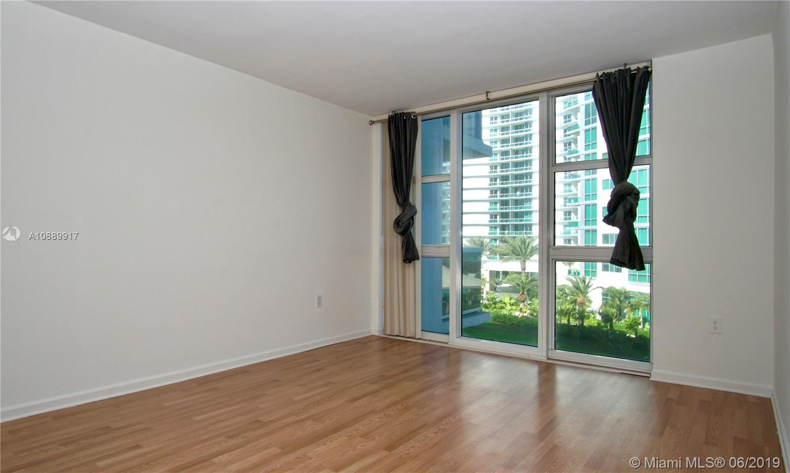 10275 Collins Ave #506 photo012