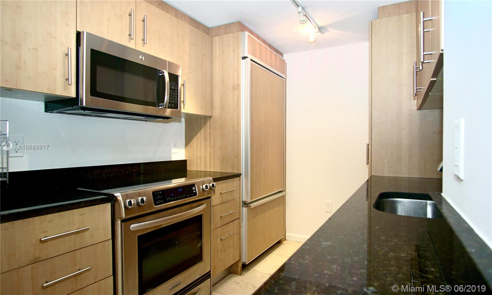 10275 Collins Ave #506 photo05