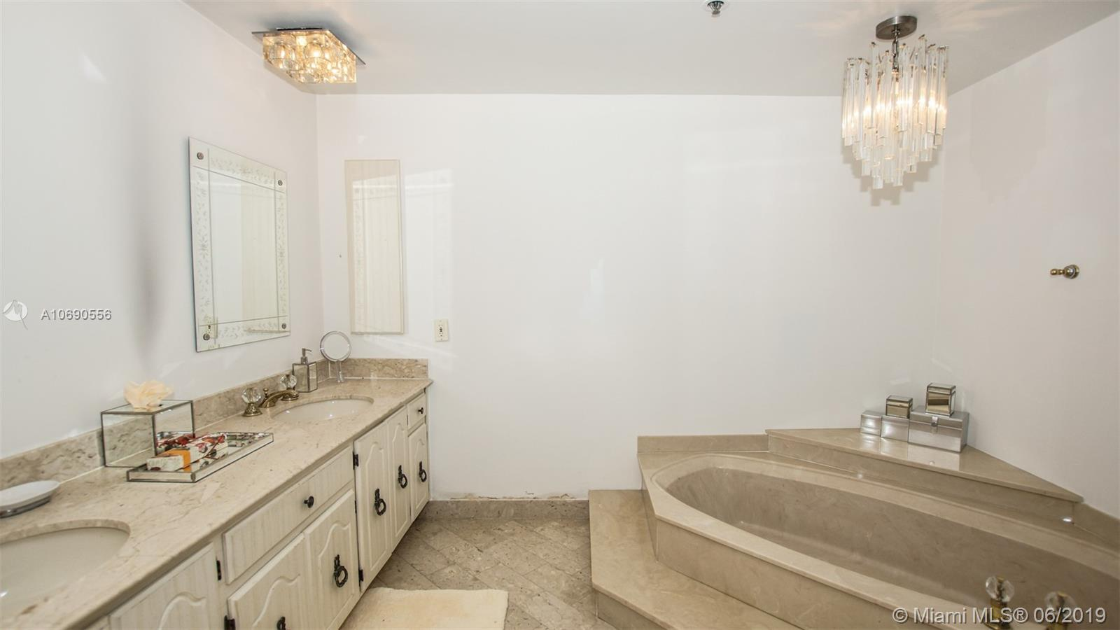 10205 Collins Ave #1506 photo012