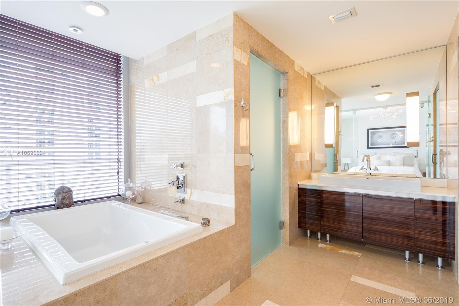 3737 Collins Ave #S1104 photo014