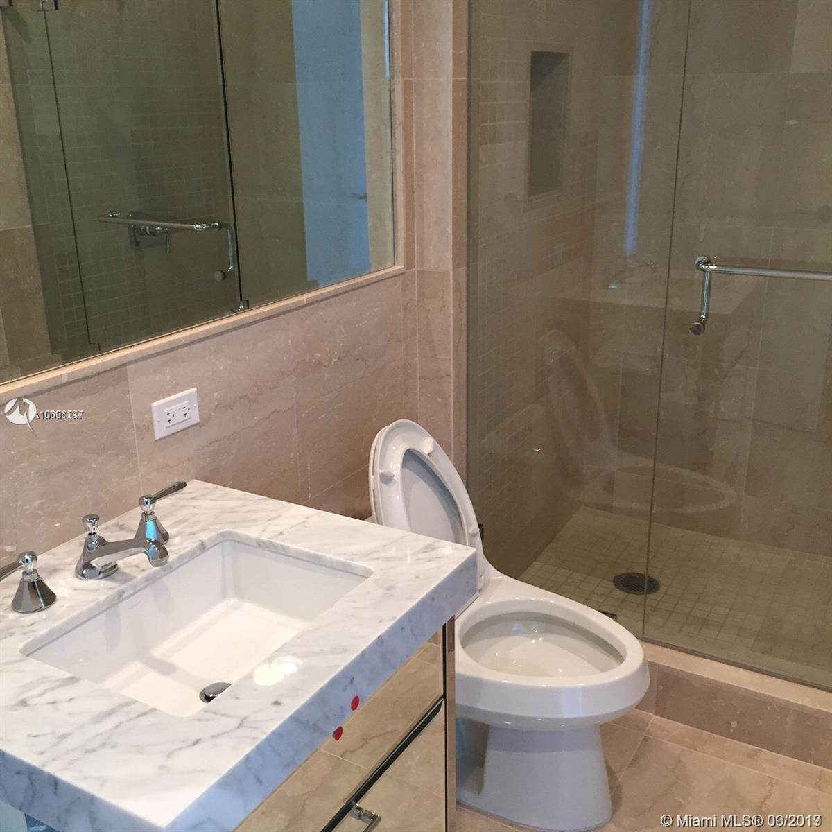 17475 Collins Ave #503 photo024