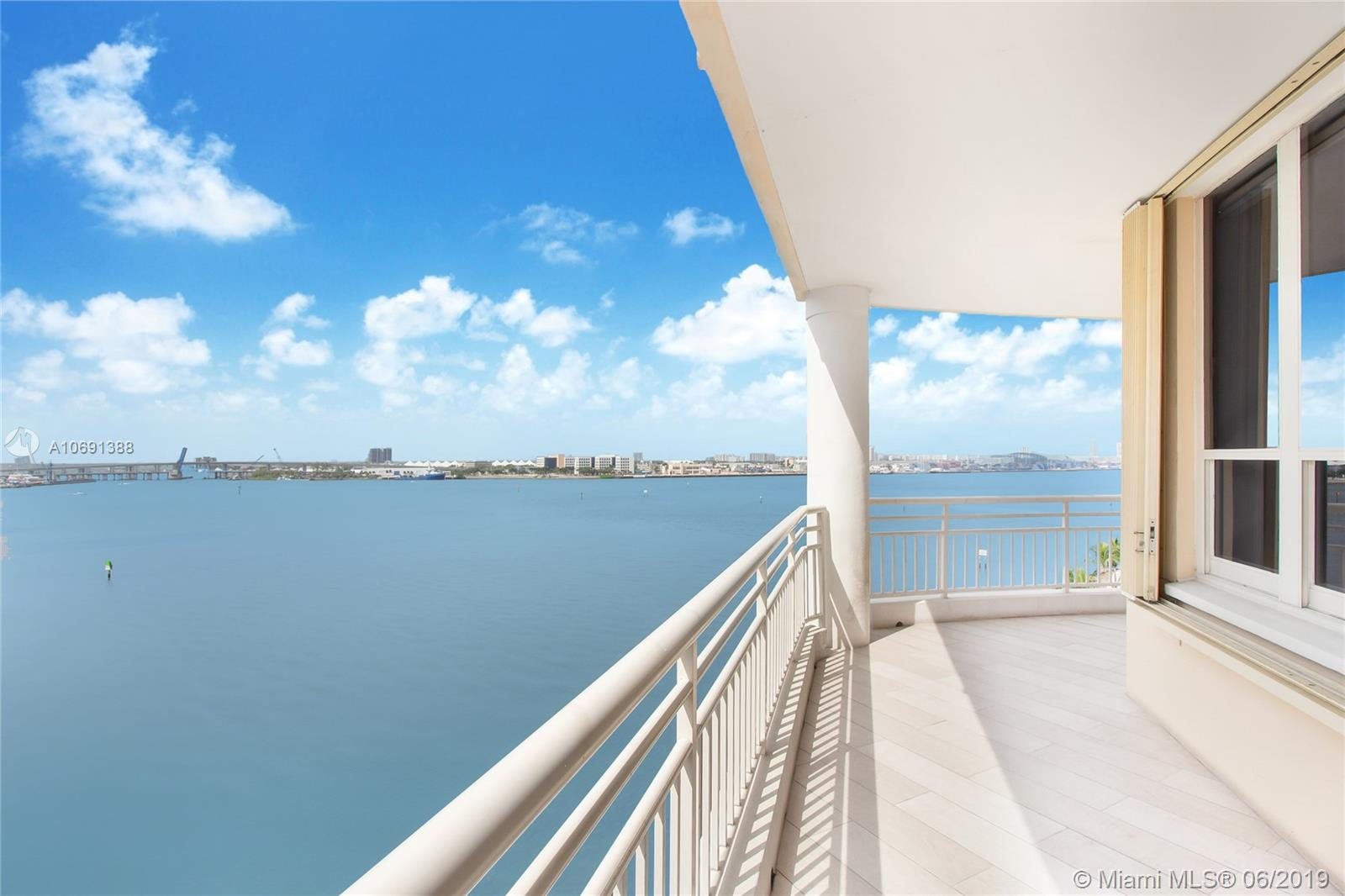 888 Brickell Key Dr #712 photo02