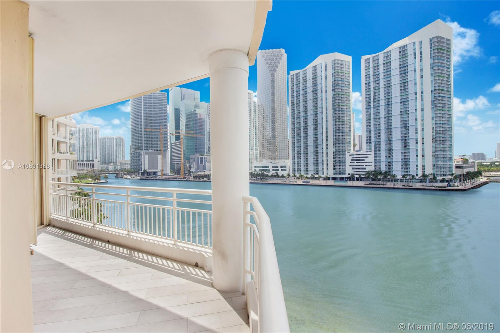 888 Brickell Key Dr #712 photo03