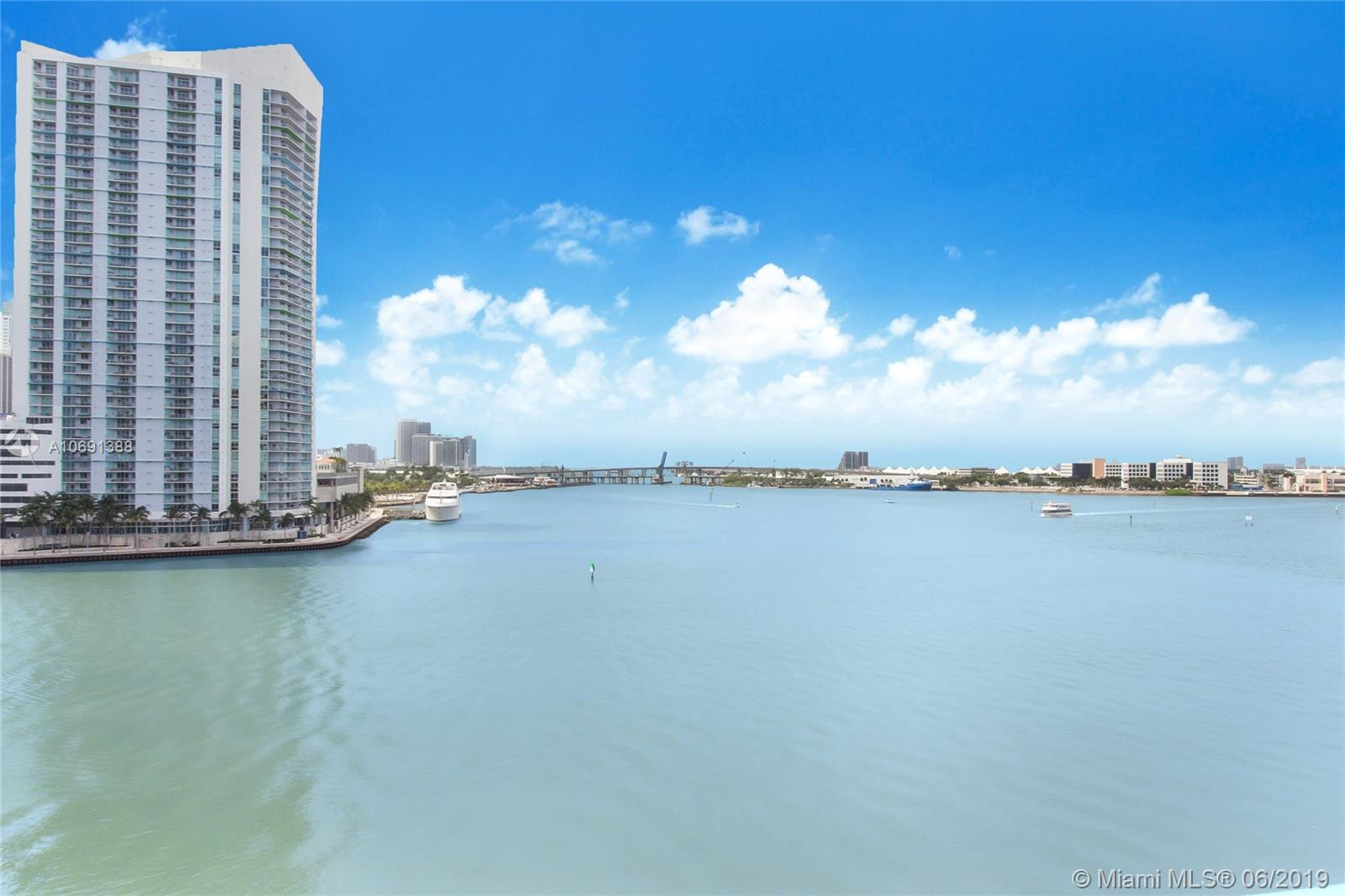 888 Brickell Key Dr #712 photo04