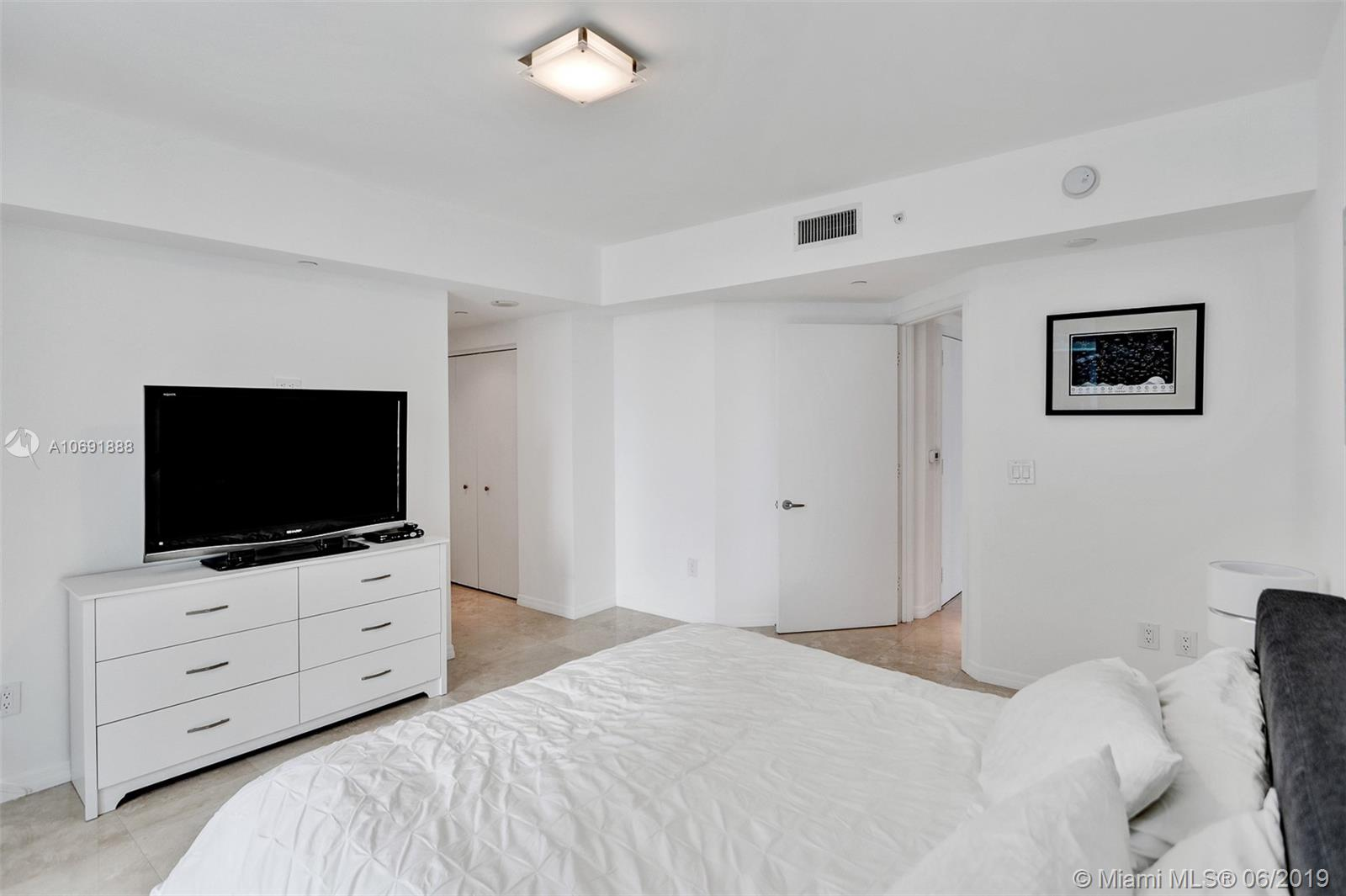 1331 Brickell Bay Dr #1508 photo032