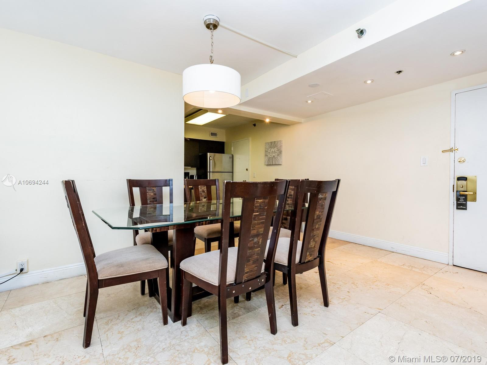 5225 Collins Ave #1411 photo03