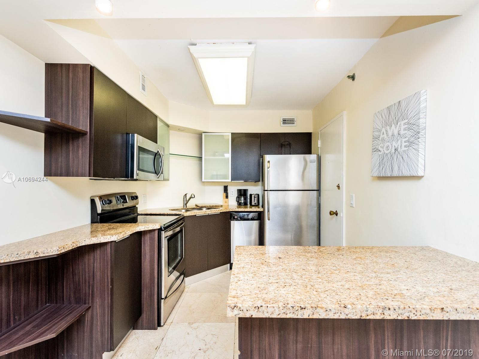 5225 Collins Ave #1411 photo04