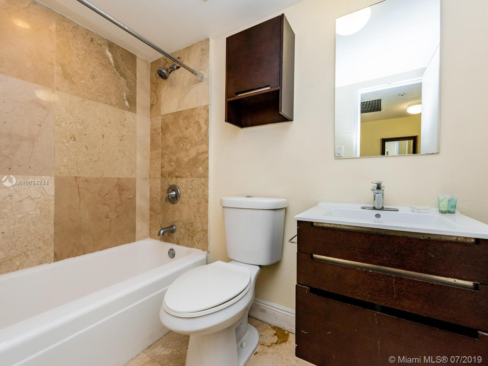 5225 Collins Ave #1411 photo07