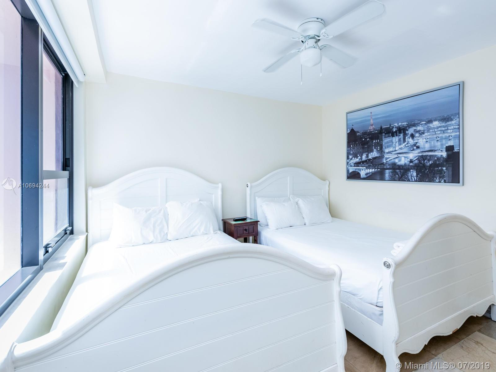 5225 Collins Ave #1411 photo08