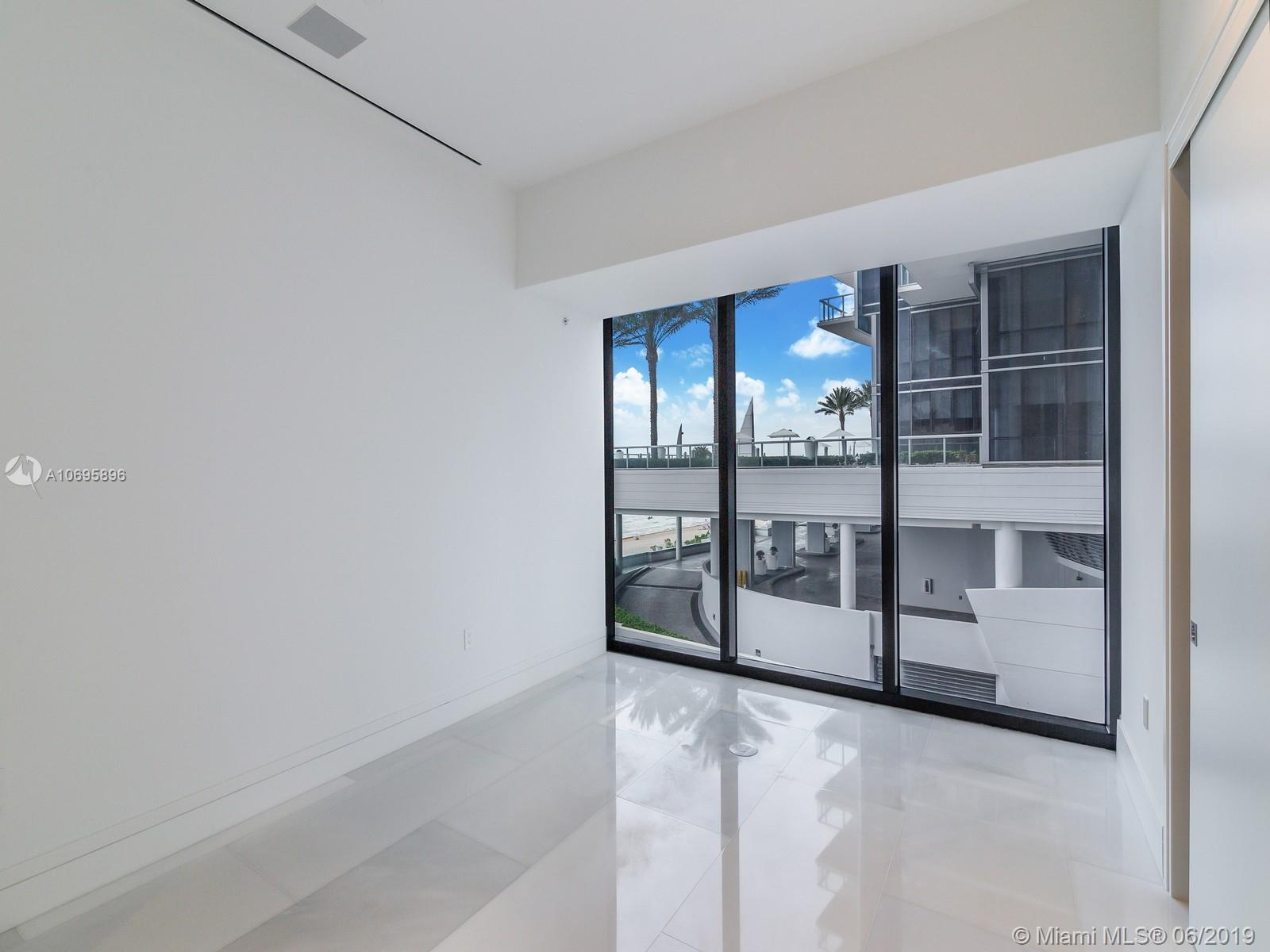 17141 Collins Ave #401 photo018