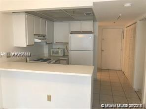 540 BRICKELL KEY DR #830 photo02