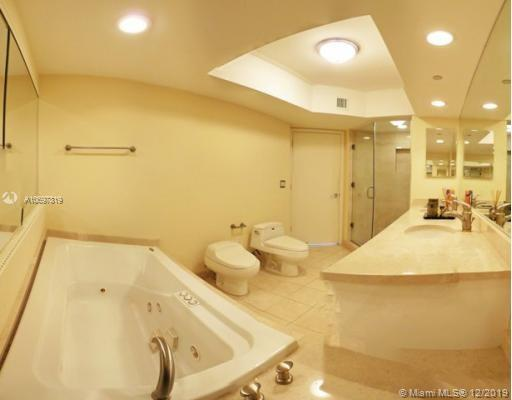 16500 Collins Ave #552 photo010