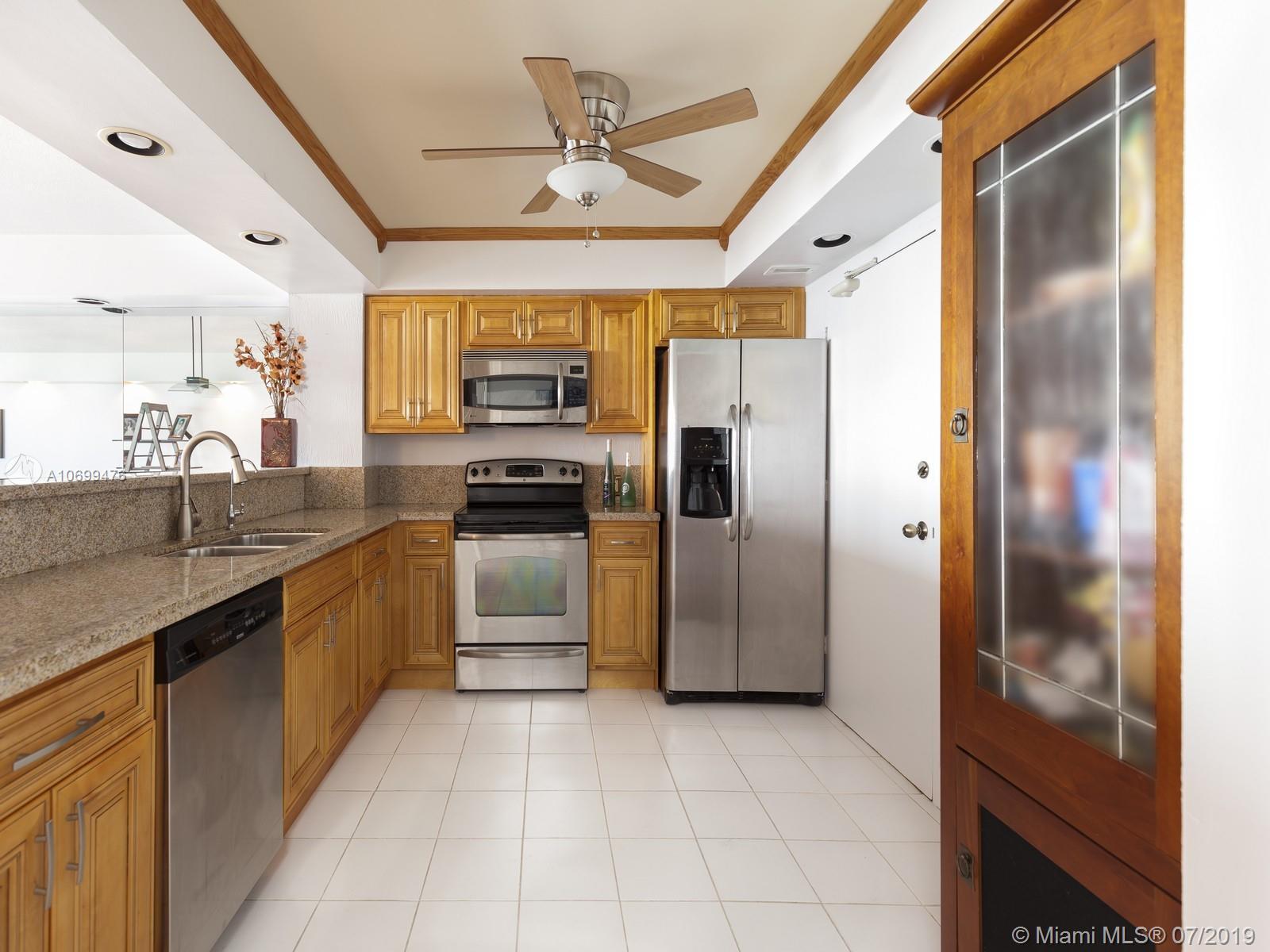 5555 Collins Ave #5D photo04