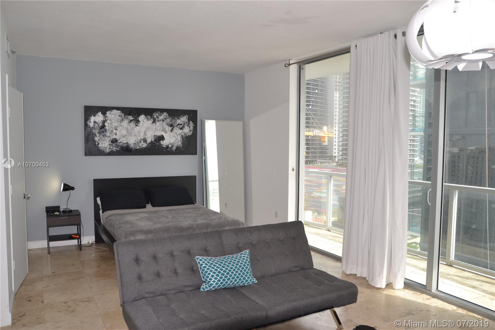 1050 Brickell Ave #1622 photo012