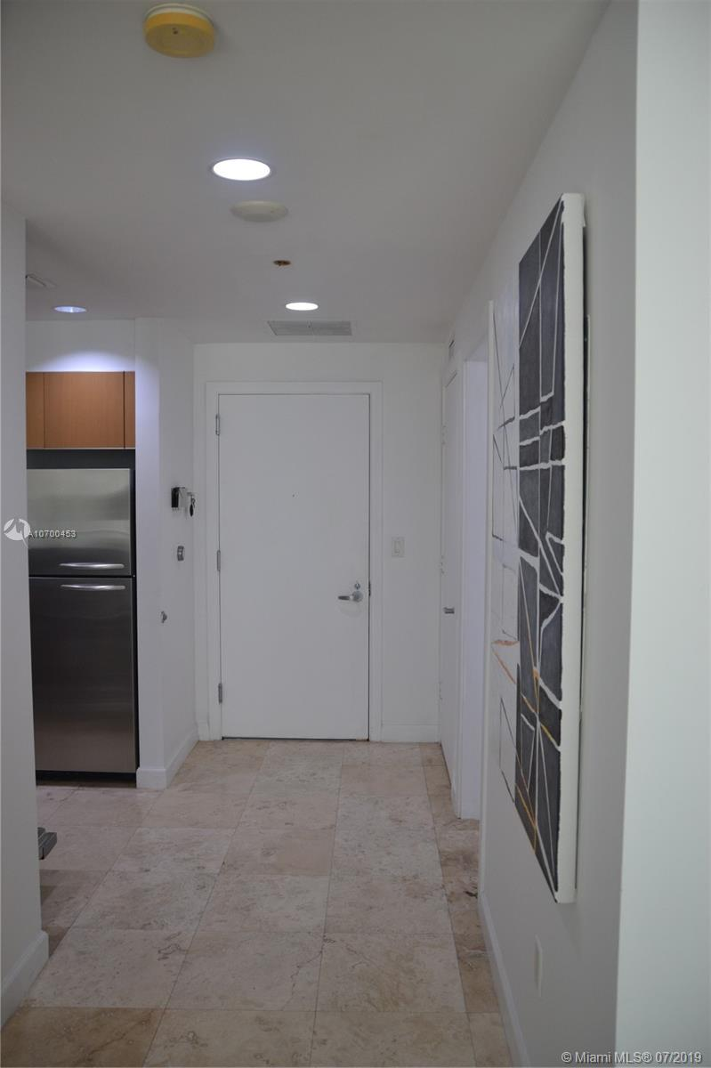 1050 Brickell Ave #1622 photo013