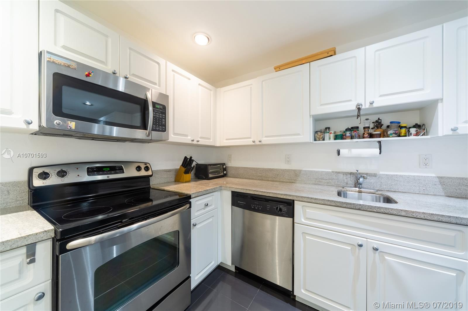 10185 Collins Ave #208 photo01