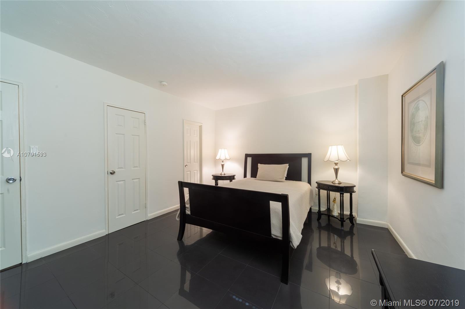 10185 Collins Ave #208 photo011