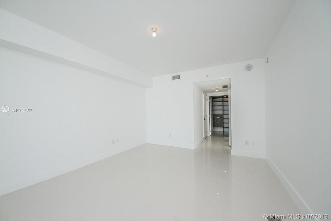 400 Sunny Isles Blvd #620 photo014