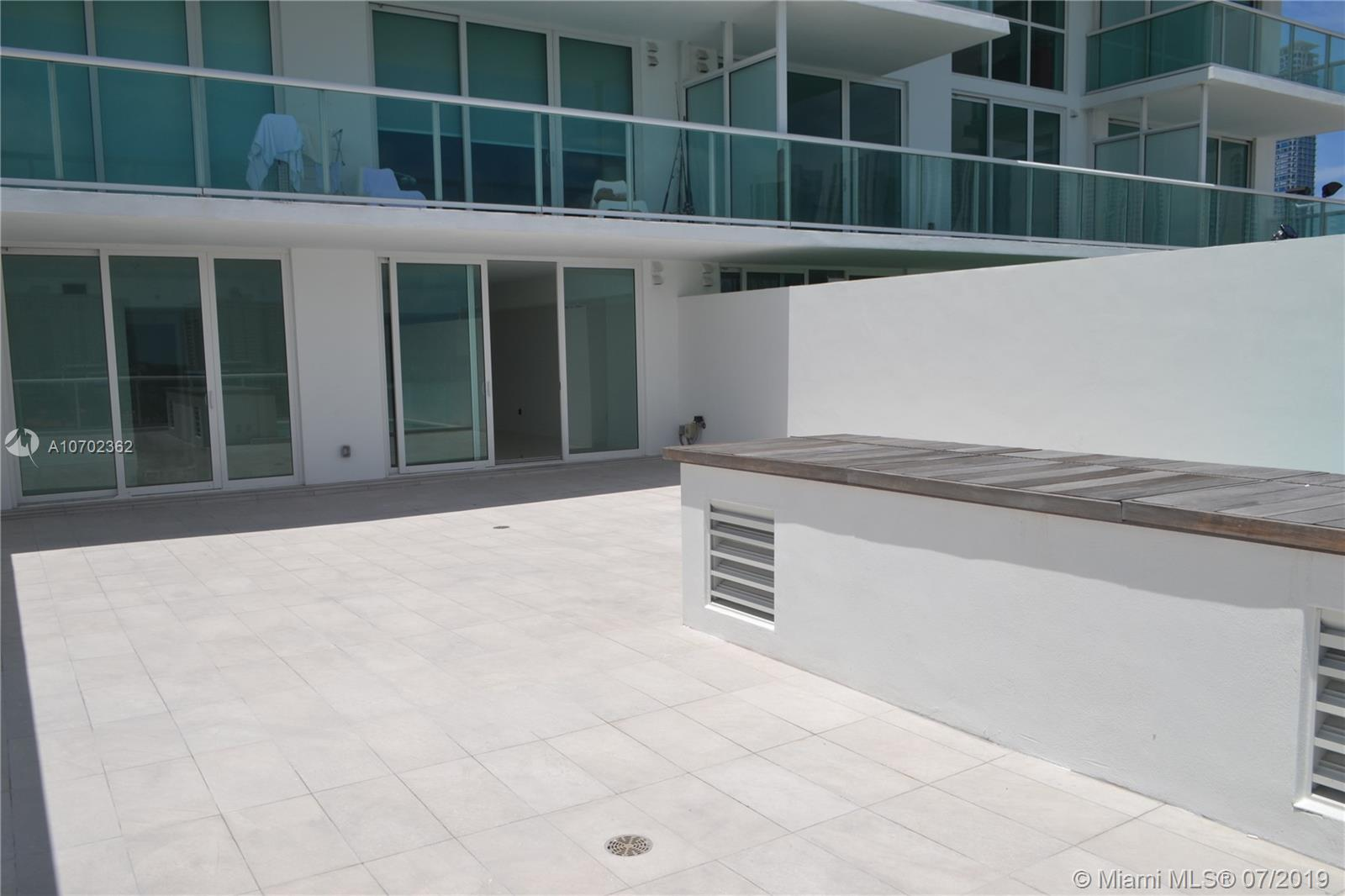 400 Sunny Isles Blvd #620 photo05