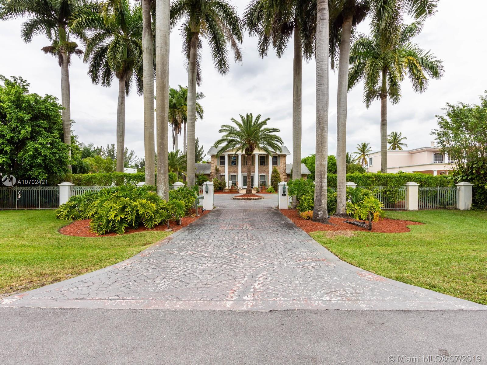 Property for sale at 12131 SW 2nd St, Plantation,  Florida 33325