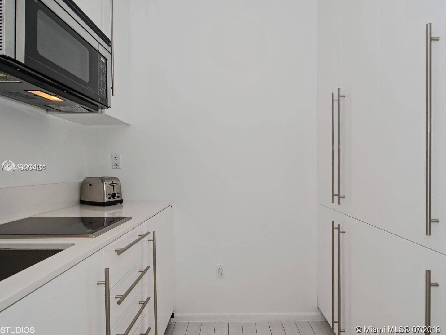 2201 Collins Ave #1509 photo04
