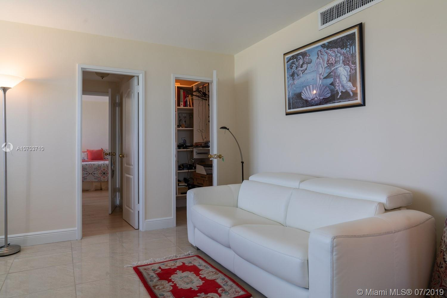 5151 Collins Ave #1427 photo010