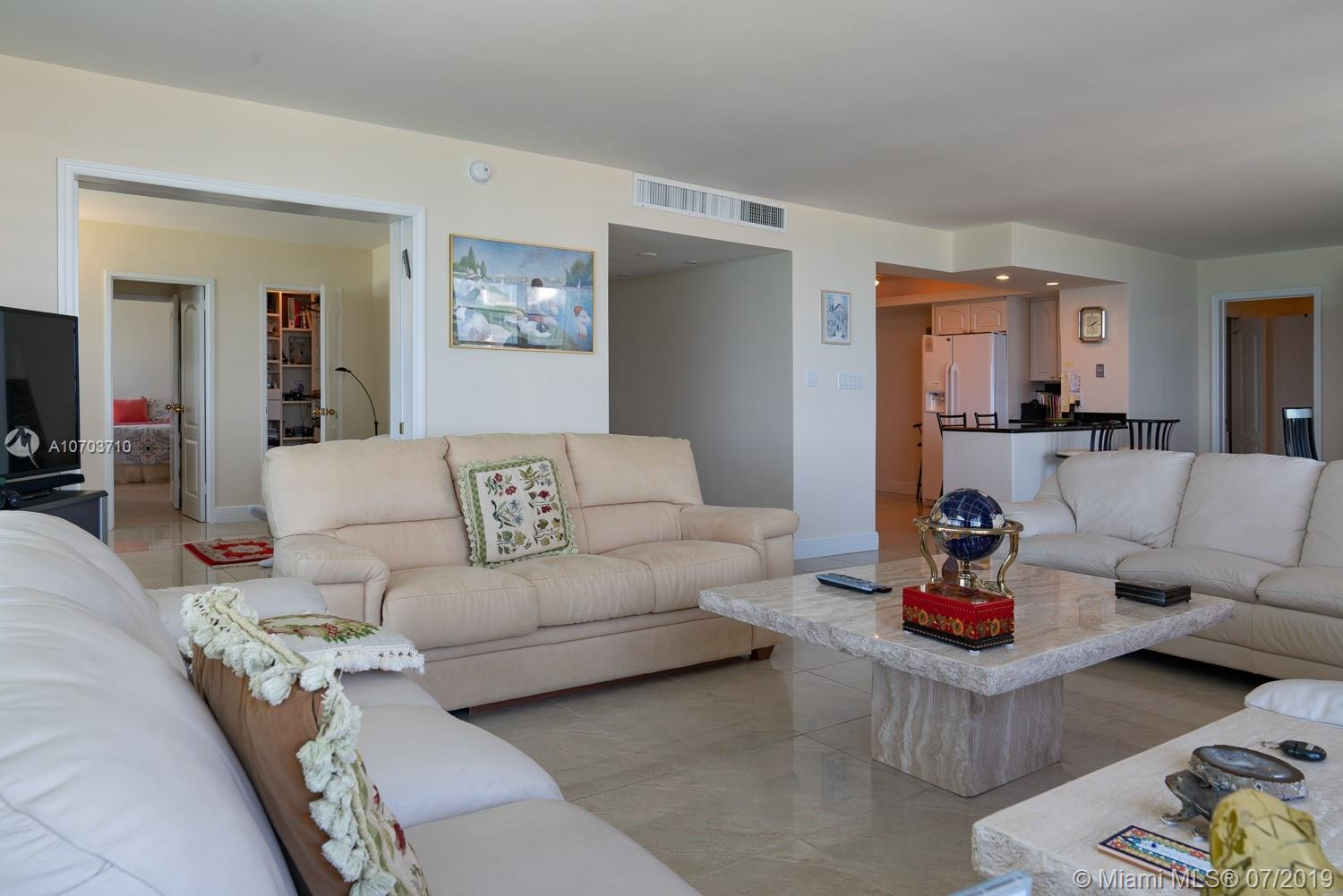 5151 Collins Ave #1427 photo025