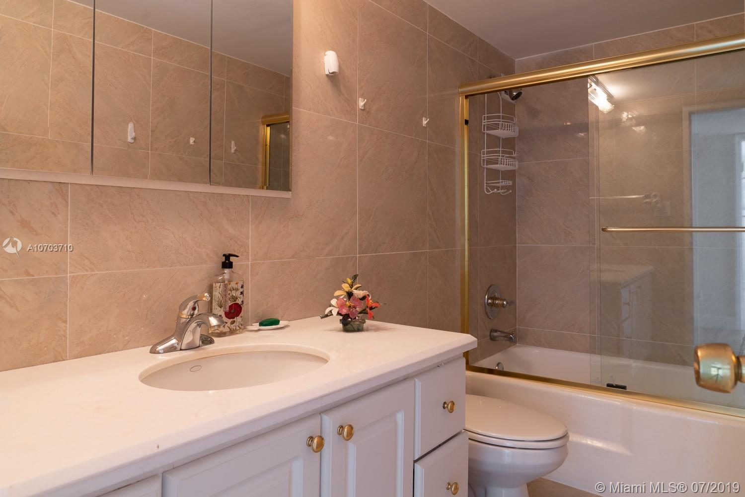 5151 Collins Ave #1427 photo08