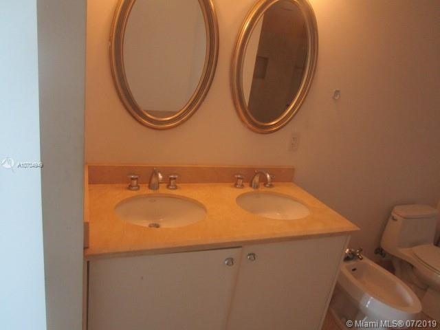 The Parc at Turnberry #1422 - 23 - photo