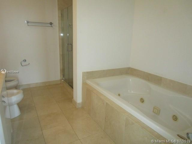 The Parc at Turnberry #1422 - 24 - photo