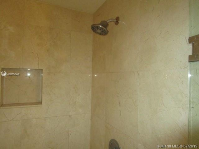 The Parc at Turnberry #1422 - 25 - photo