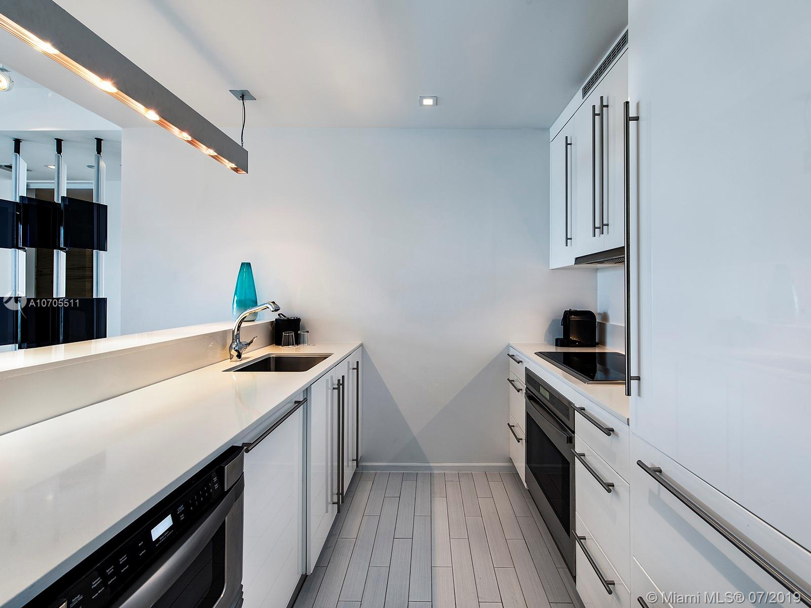 Property 2201 COLLINS AVE #1519 image 9