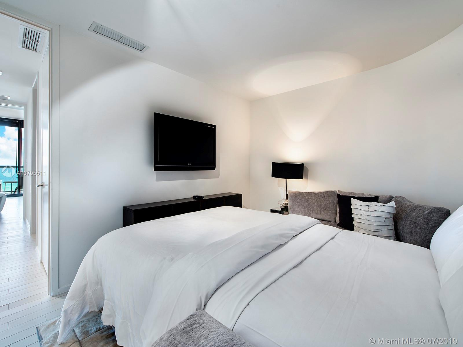 Property 2201 COLLINS AVE #1519 image 14