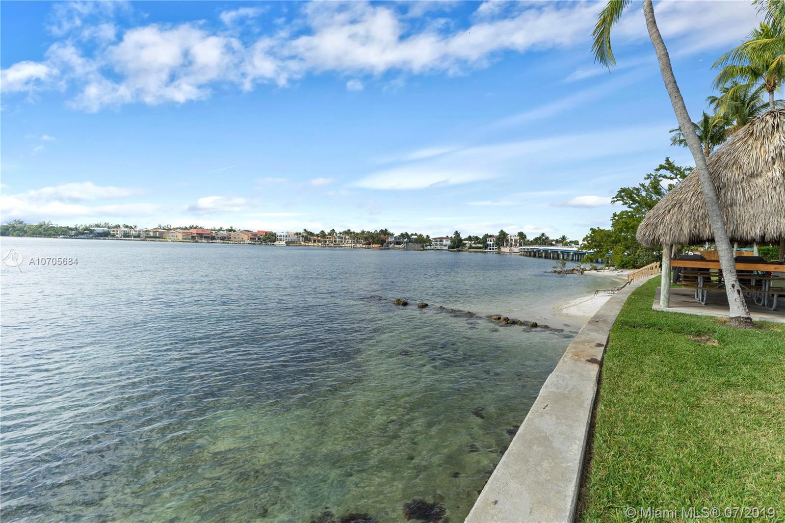 Photo of Grove Isle Apt A1504