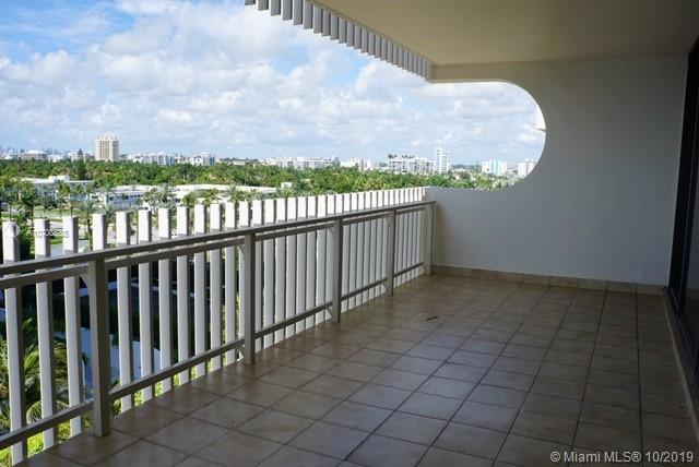 10205 Collins Ave #605 photo09