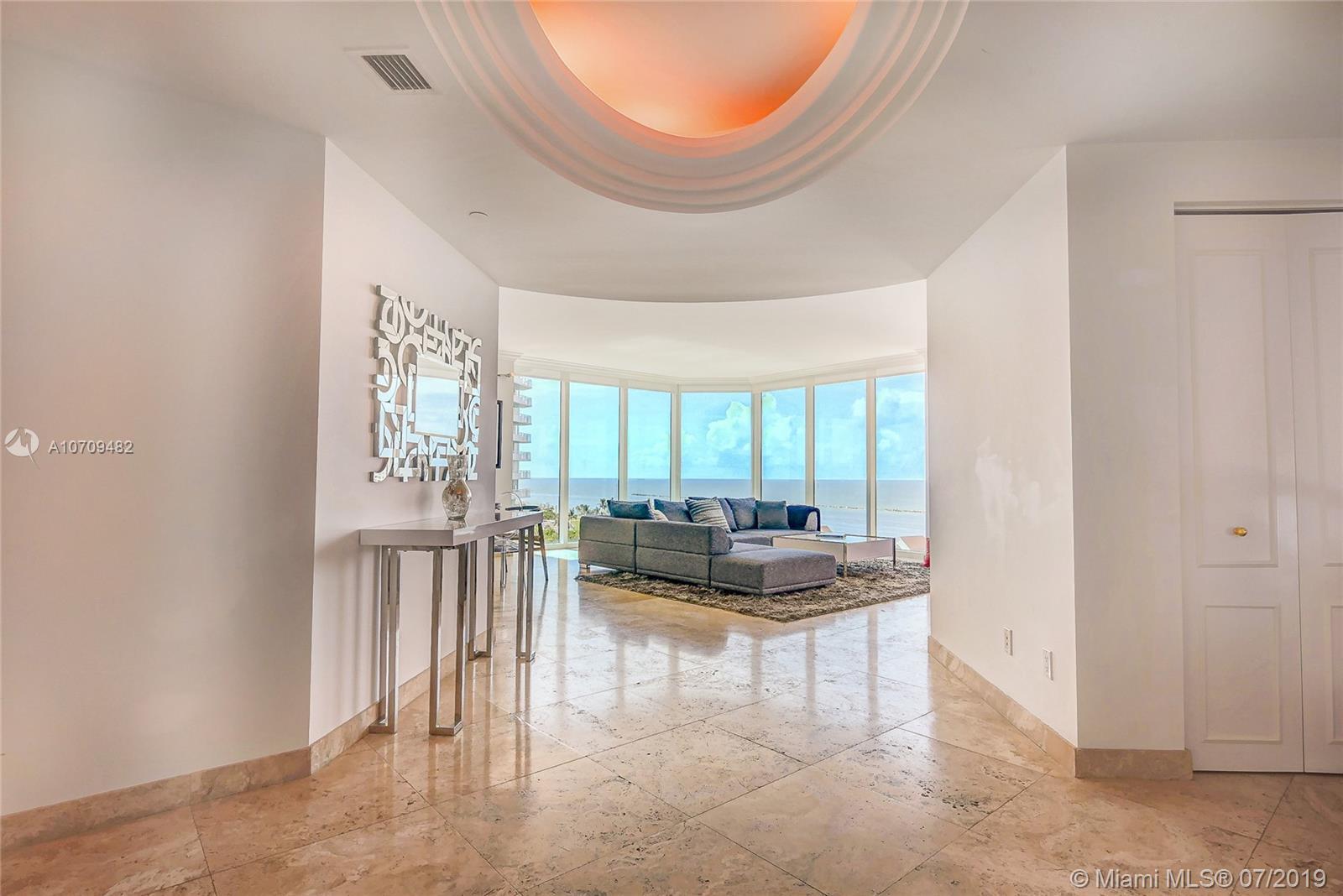 300 S Pointe Dr, 1001 - Miami Beach, Florida