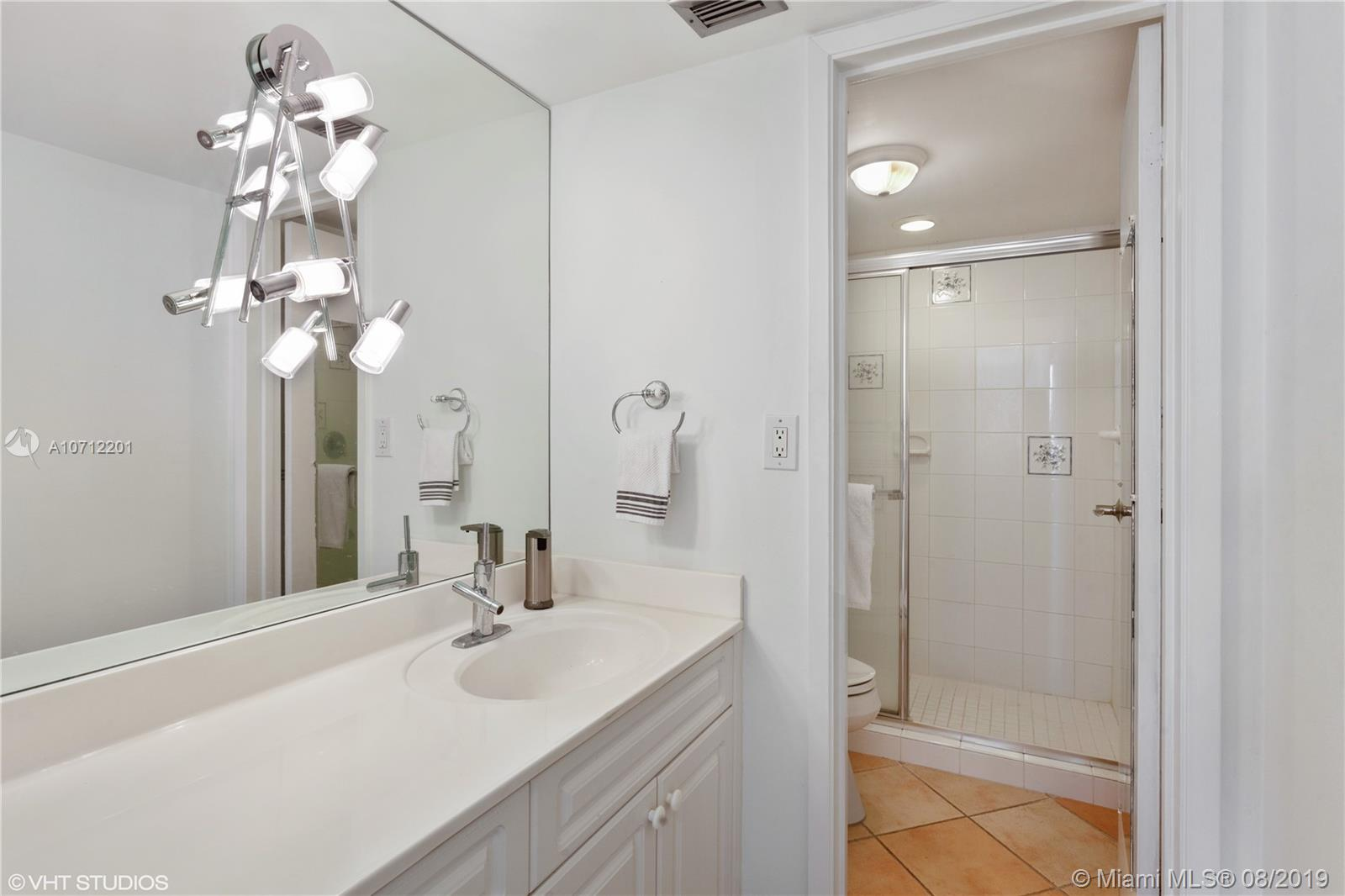 2625 Collins Ave #1506 photo010