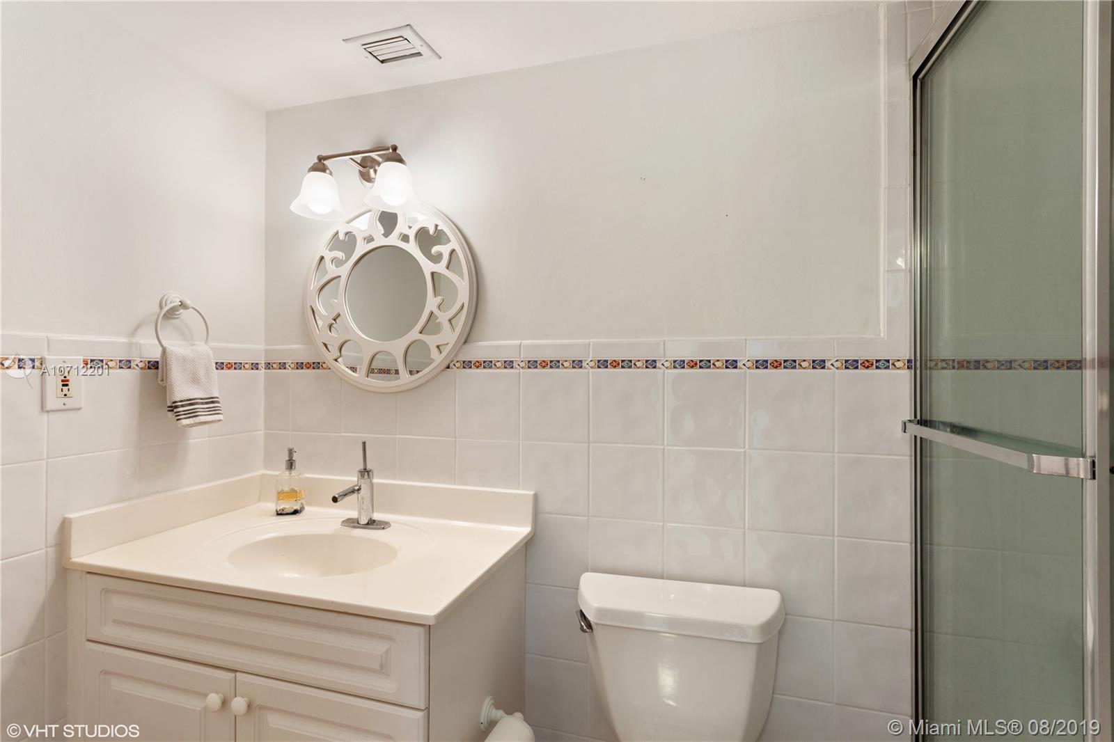 2625 Collins Ave #1506 photo09