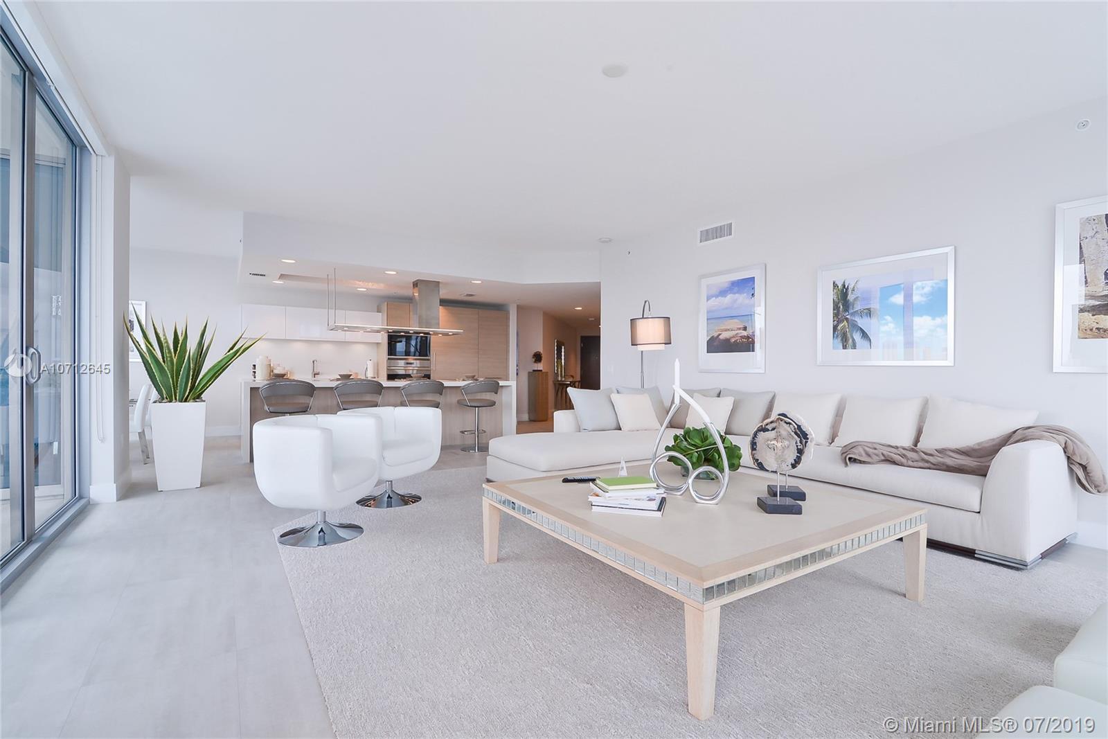 Property 17111 Biscayne Blvd #2009 image 3