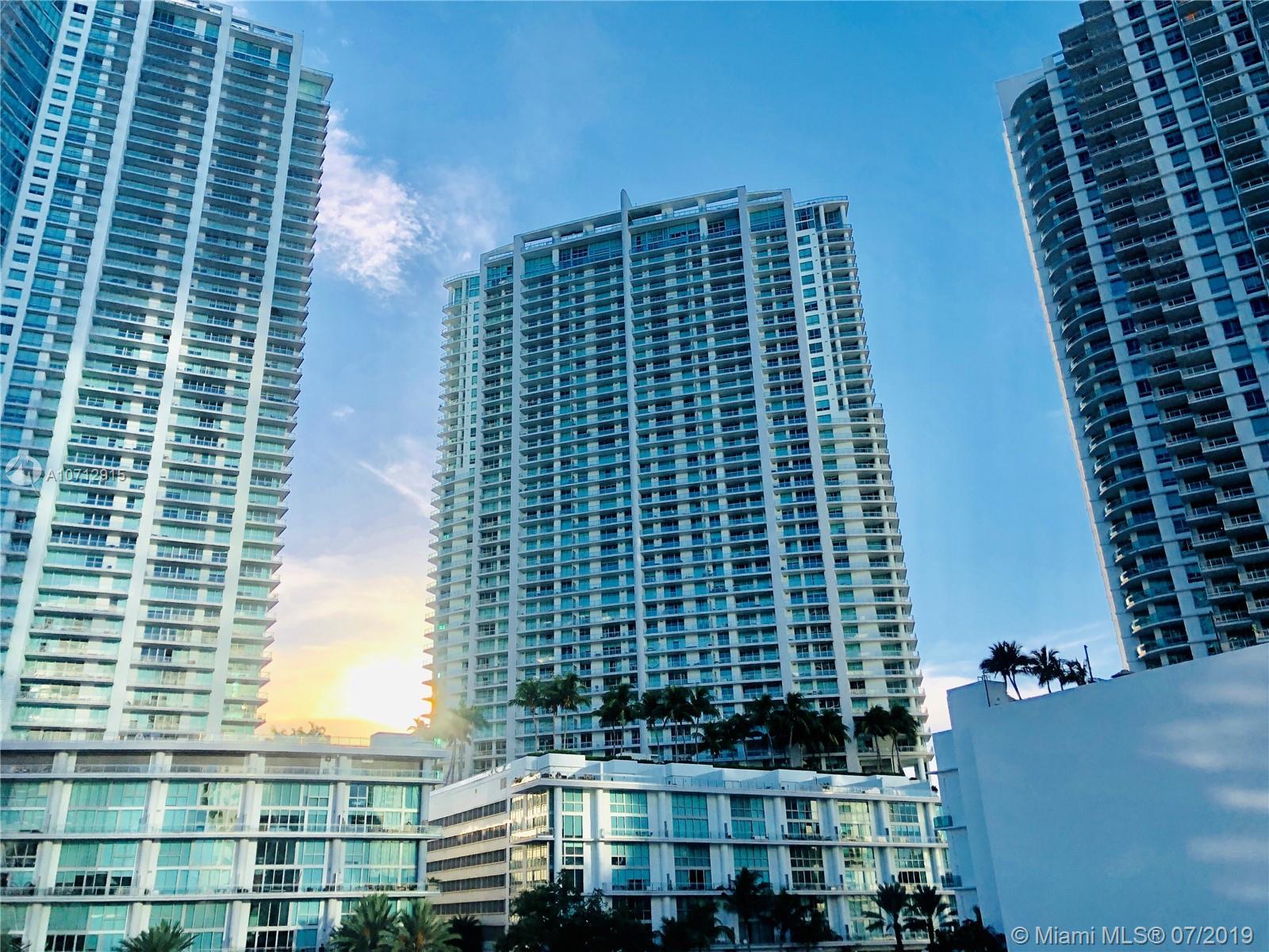 90 SW 3rd St, 1210 - Miami, Florida