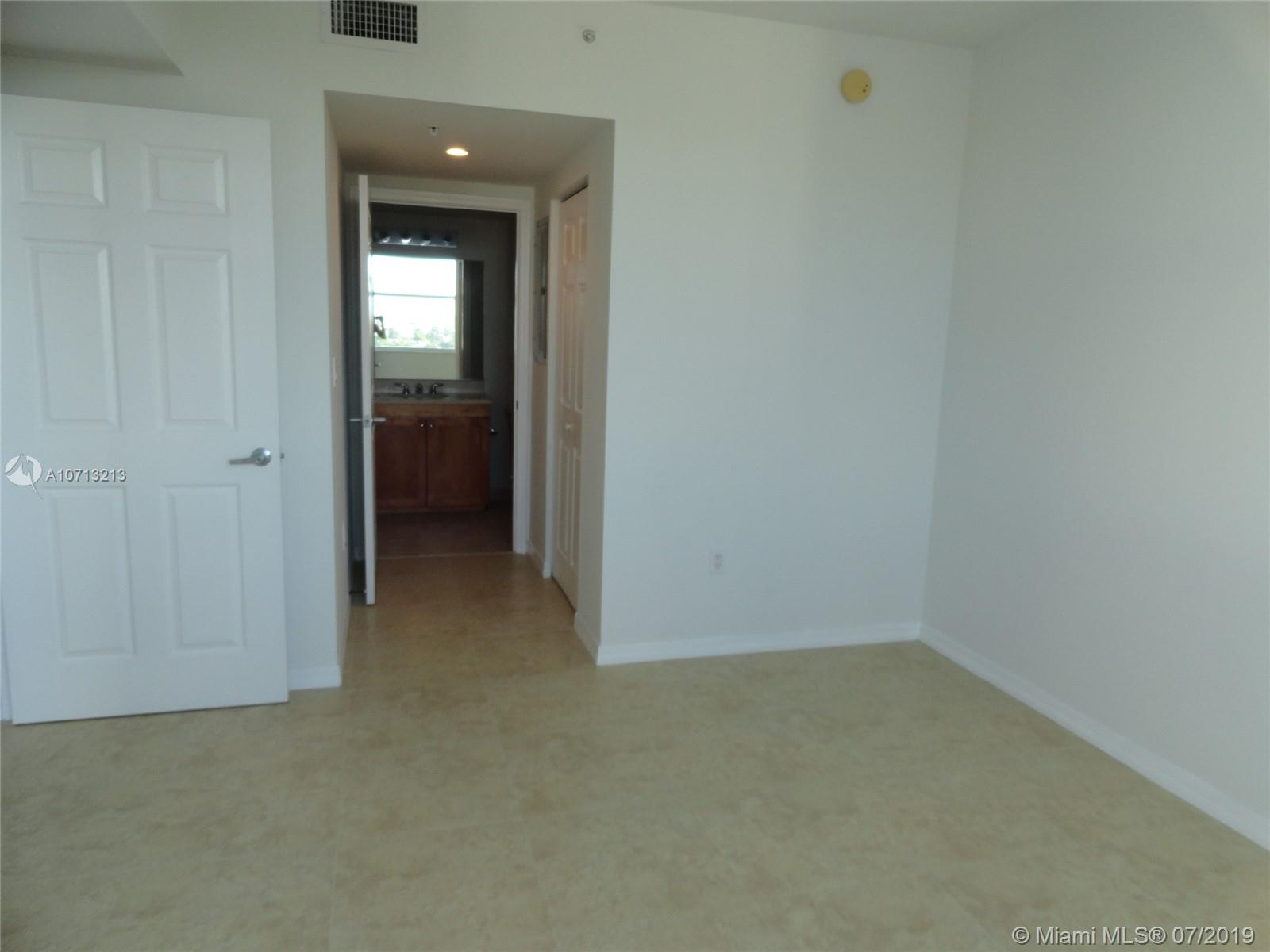 1723 SW 2nd Ave #804 photo018