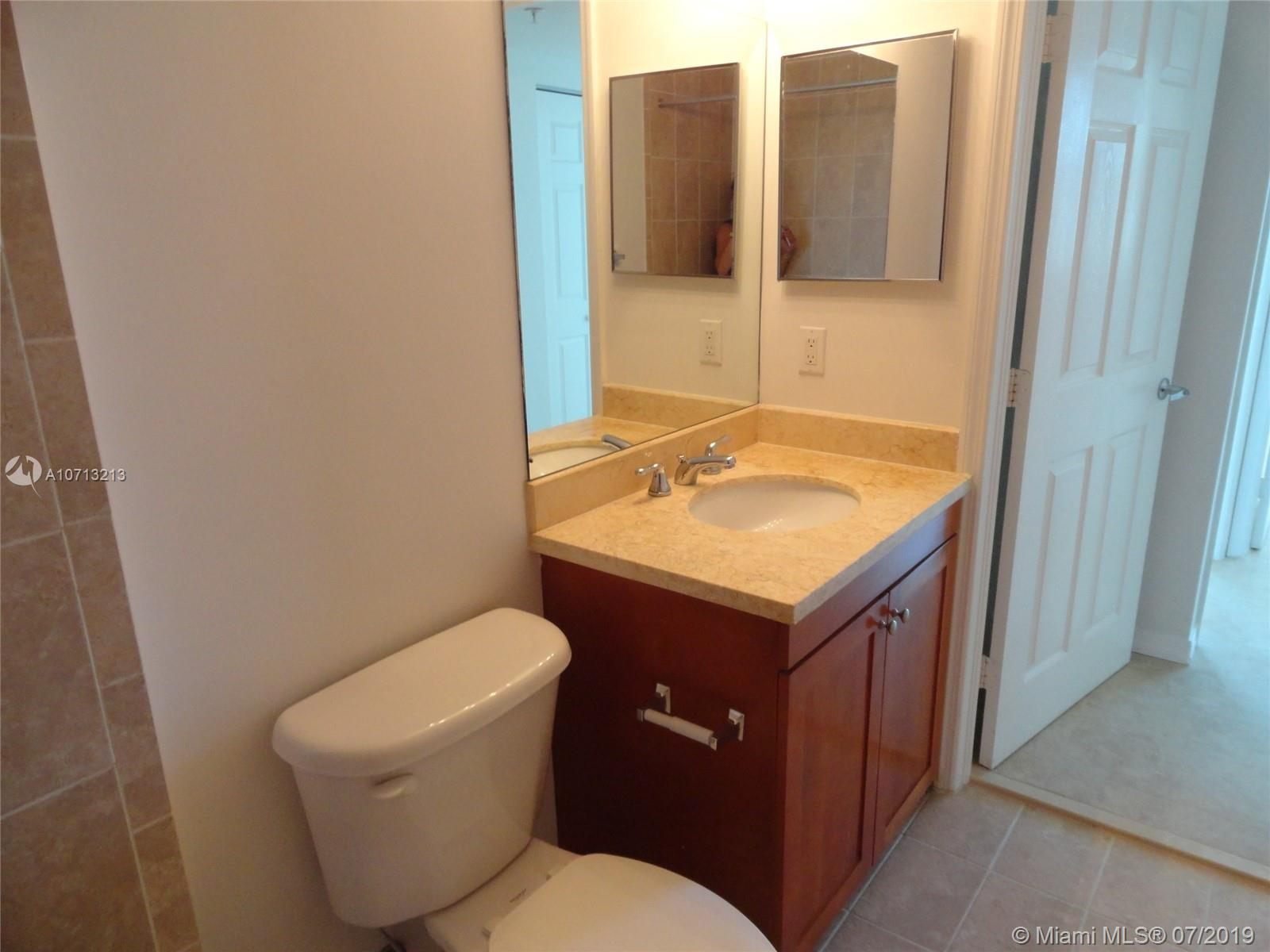 1723 SW 2nd Ave #804 photo031
