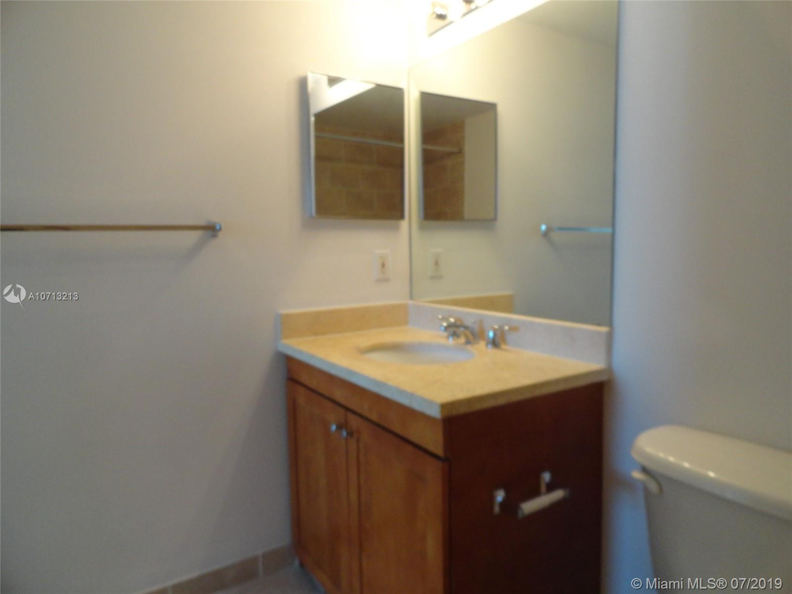 1723 SW 2nd Ave #804 photo038