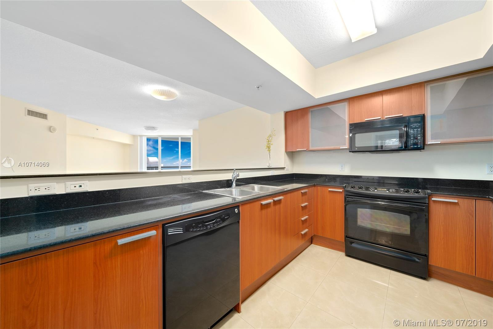16699 Collins Ave #2905 photo06