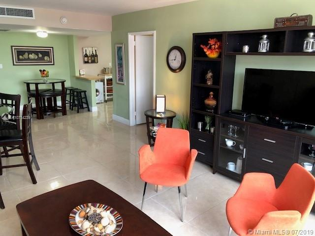 5161 Collins Ave #1510 photo09