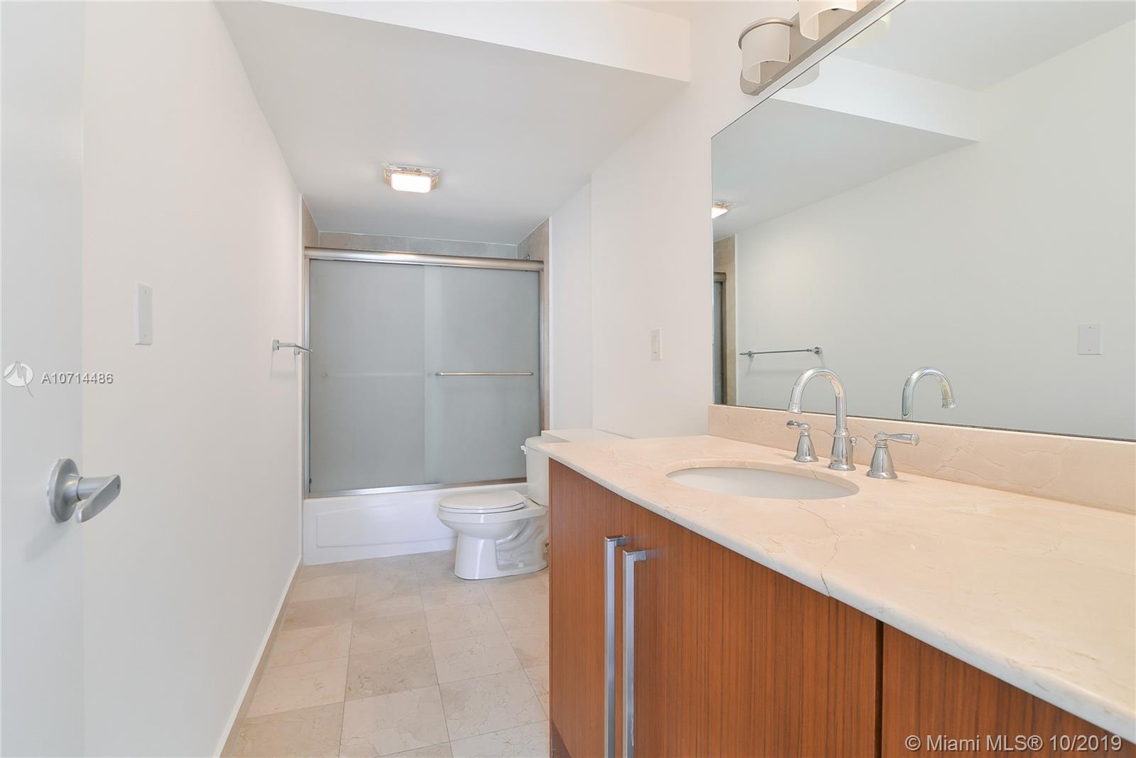 10275 Collins Ave #1225 photo08